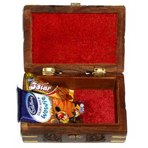 Jewelery Box & Chocolate Bhaidooj Hamper