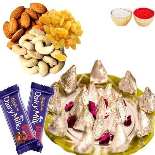Kaju Samosa with Dry fruits & Chocolate