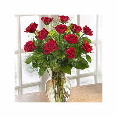 Elegant Dozen Roses