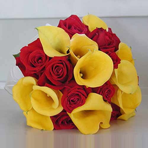 24 Roses And Calla Lilies - Greece Delivery Only