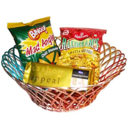 Basket Gift Hamper With Namkeen & Chocolates - 54