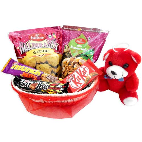 Hamper With Teddy Bear & Basket - 02 - UK Delivery Only