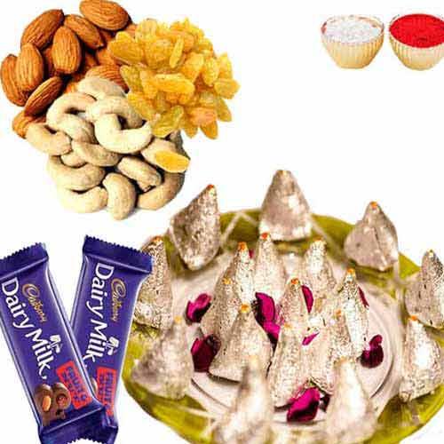 Kaju Samosa with Dry fruits & Chocolate