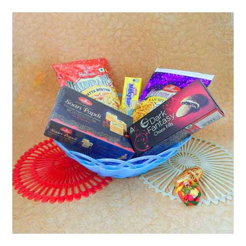 Chocolate Hamper With Basket - Canada Delivery Only