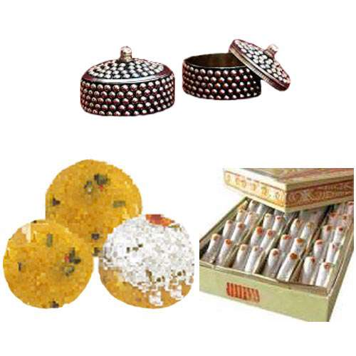 Besan Shahi Laddoo & Kaju Roll with Rakhi